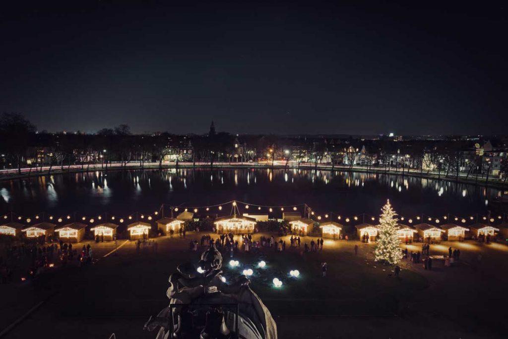 Weihnachtsmarkt auf Schloss Benrath - romantische Weihnachtsmärkte