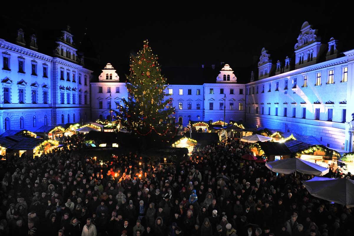 Weihnachtsmarkt auf Schloss Thurn und Taxis - romantische Weihnachtsmärkte