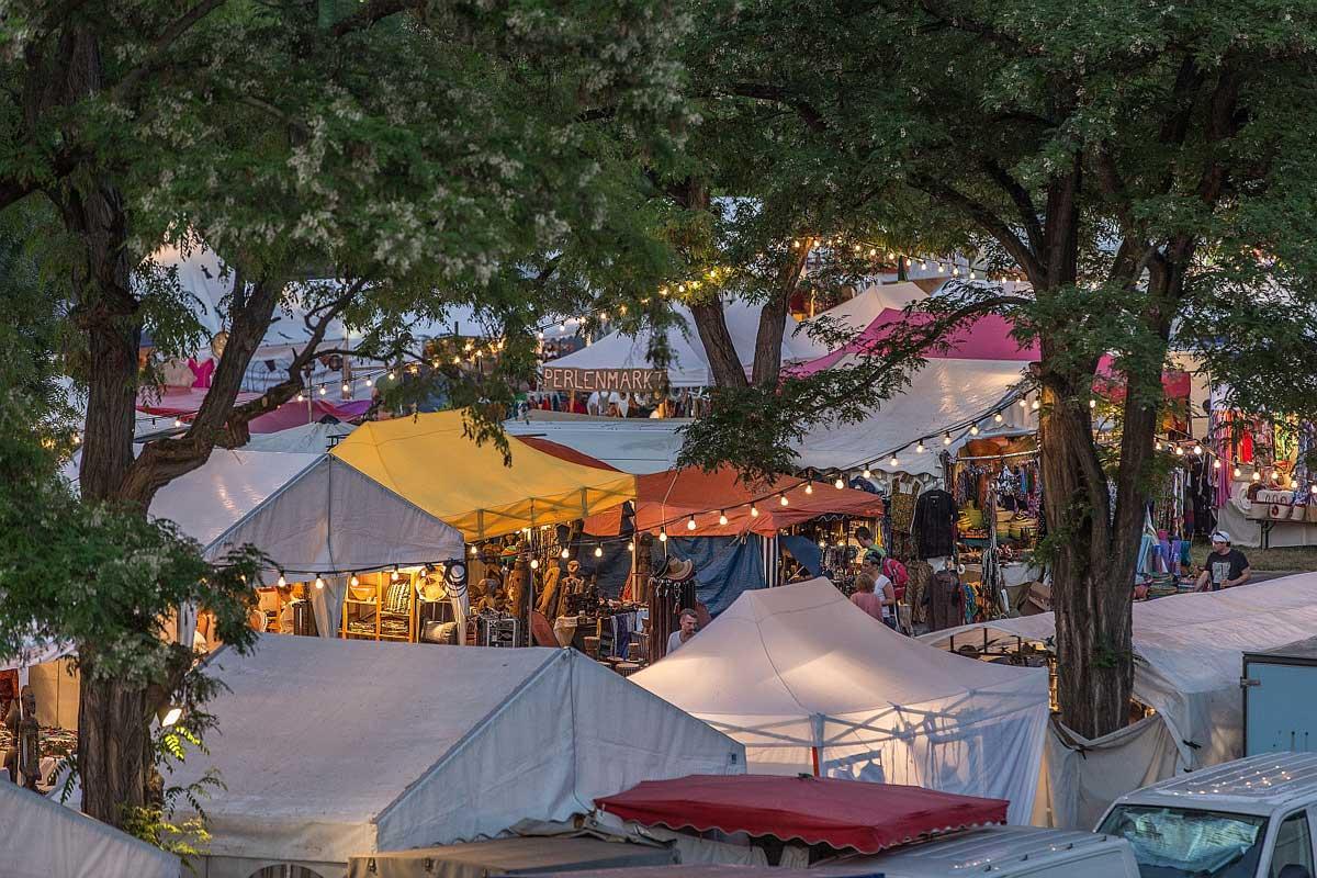 Basar auf dem Africa-Festival - Genuss- und Reisetipps