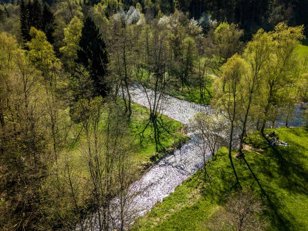 Zusammenfluss der Großen und Kleinen Nister in der Kroppacher Schweiz - Westerwaldsteig