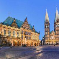 Bremen, Rathaus und Dom - Radfernweg Hamburg-Bremen