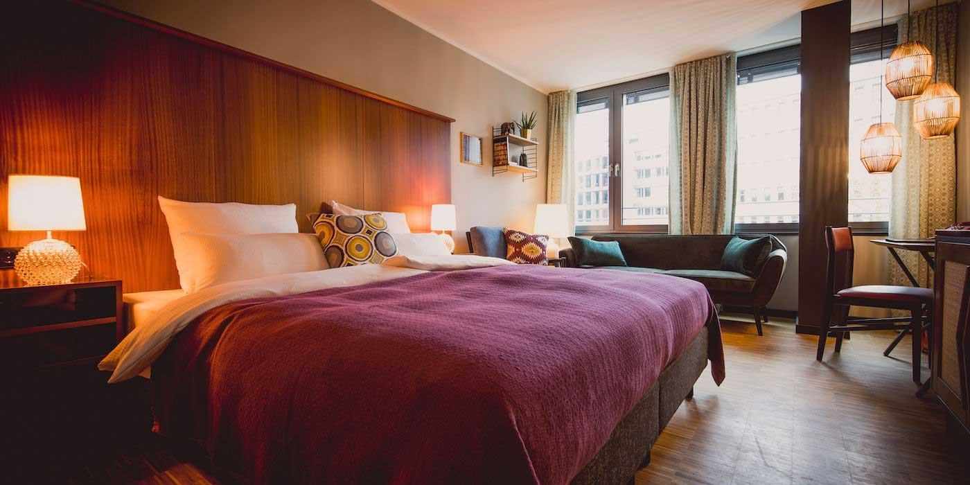 Zimmer im HENRI Hotel Düsseldorf - Themenhotels zum Staunen