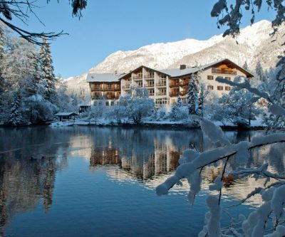 Hotel Badersee Aussenansicht mit See_H66096