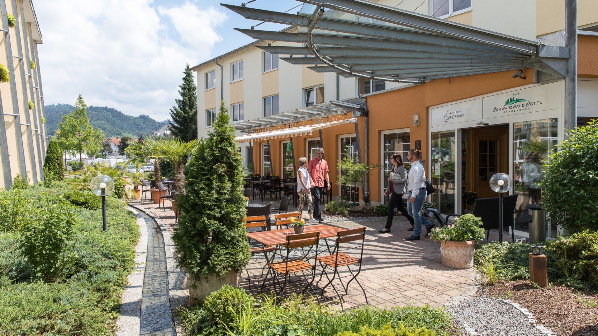 Schwarzwaldhotel Gengenbach Hoteleingang_H211788