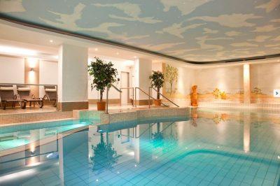 Schwimmbad im Kurhotel Sonnenhof in Bad Füssing