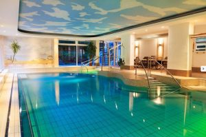 Schwimmbad im Kurhotel Sonnenhof in Bad-Füssing
