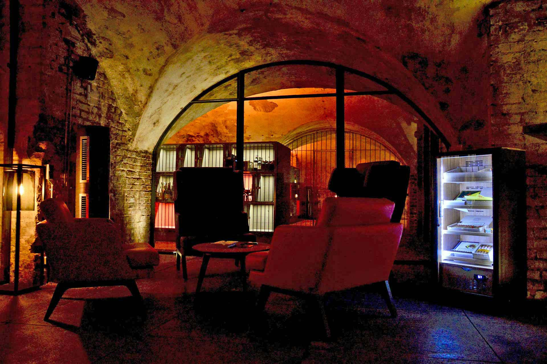Winebank Köln Zigarrenlounge