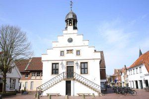 Rathaus in Lingen (Ems) - EmsRadweg