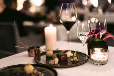Gourmetrestaurant Aubergine, Menü im Hotel Vier Jahreszeiten in Starnberg