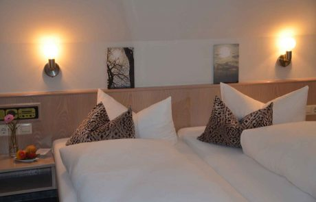 Hotel Castell Leinsweiler-Ausstattung Zimmer