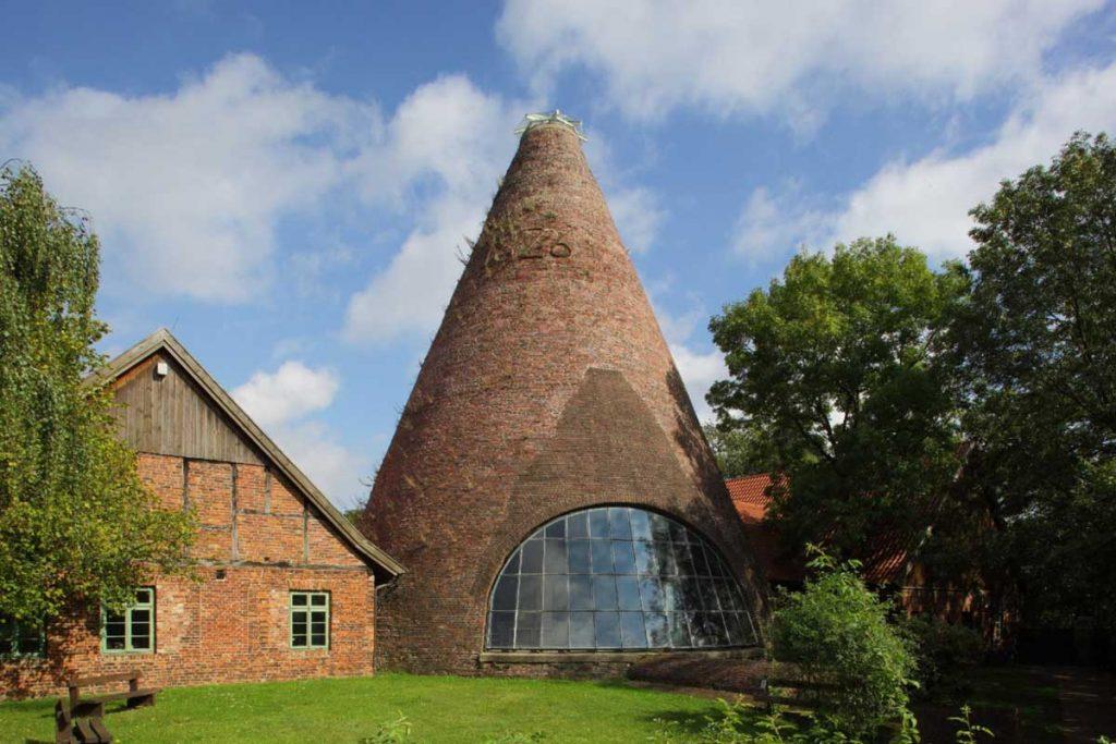 Der Glasmacherturm der Glashütte Gernheim - LWL-Industriemuseum