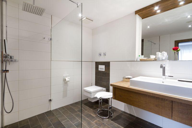 Parkhotel Frank-Junior Suite Deluxe Badezimmer