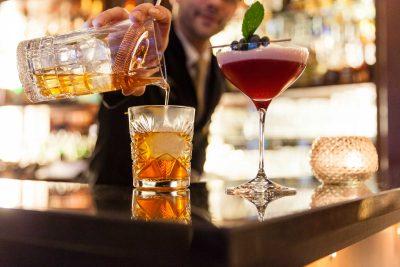 Cocktails im Hotel Vier Jahreszeiten in Starnberg