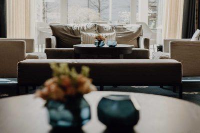 Lobby im Hotel Vier Jahreszeiten in Starnberg