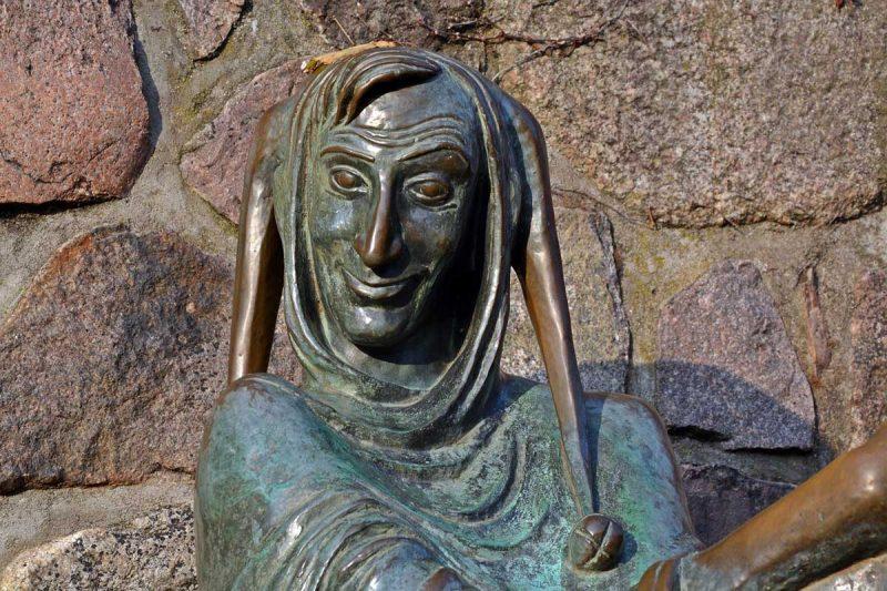 till eulenspiegel bronzefigur