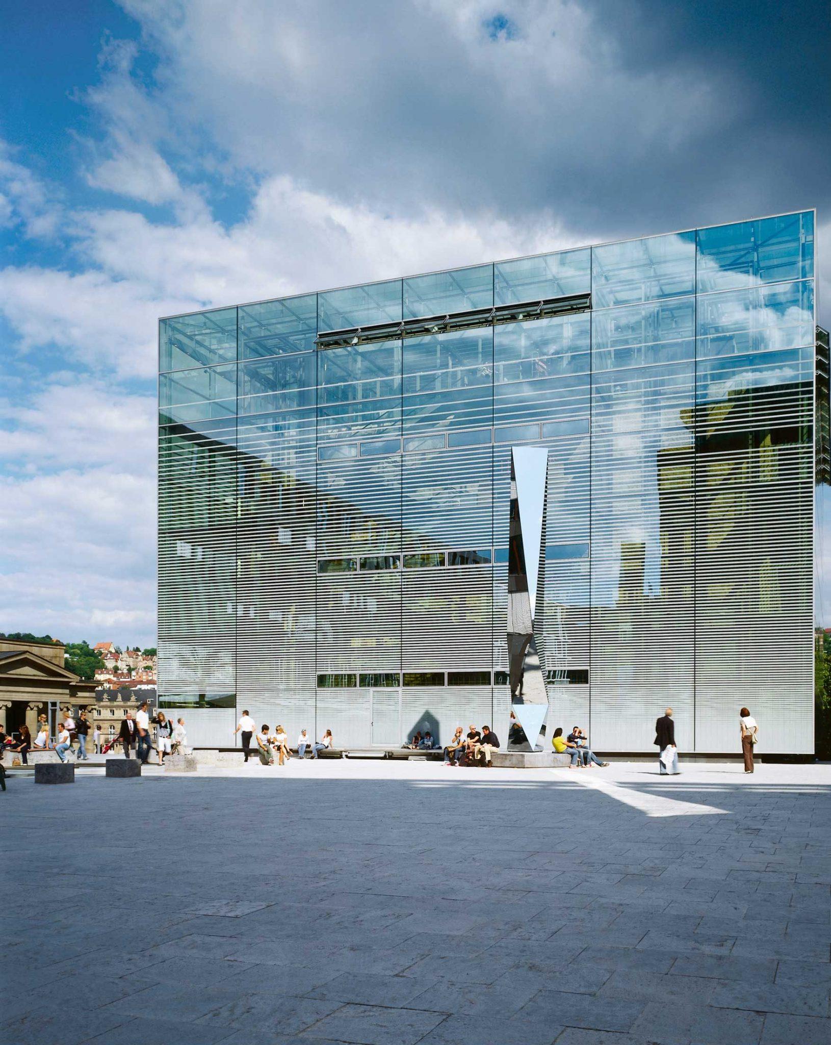 """Kunstmuseum Stuttgart mit """"Plylit"""" (2006) von Carsten Nicolai"""