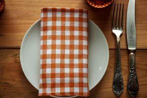 Der Tisch ist gedeckt für das weltgrößte Labskausessen