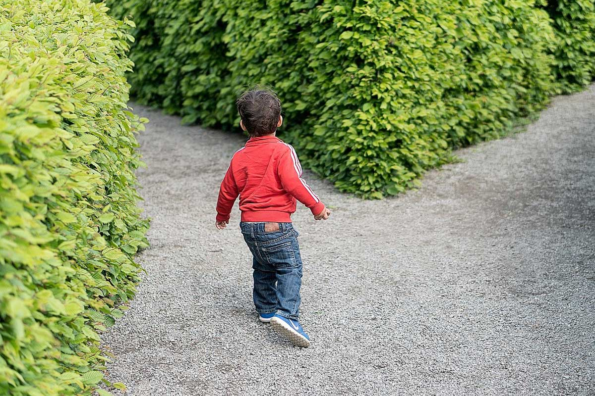 labyrinth weggabelung kind