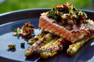 Spargel mit Lachs-Topping
