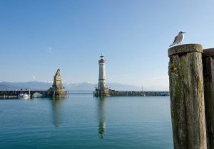 lindau hafeneinfahrt loewe-euchtturm