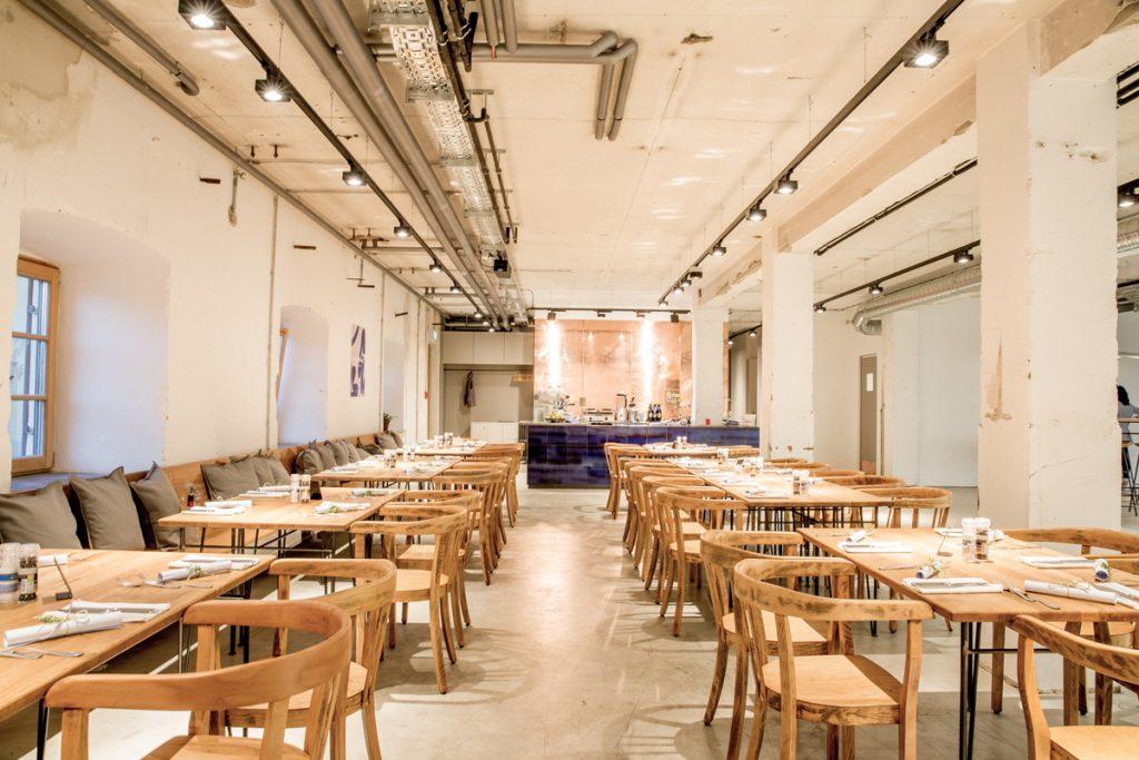 Restaurant Mangfallblau – Stylish speisen in einer Papierfabrik