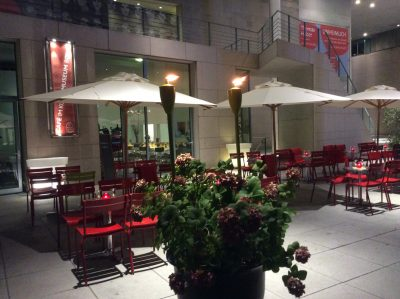 Café im Kunstmuseum Bonn, Außenansicht