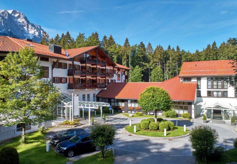Außenansicht, Hotel am Badersee