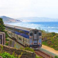 Oftmals bieten Zugreisen völlig neue Perspektiven auf verschiedenste Landschaften.