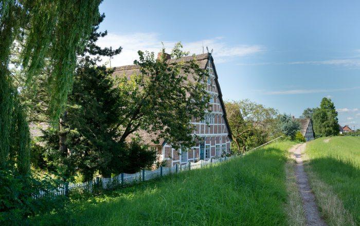 Altänder Bauernhaus am Deich