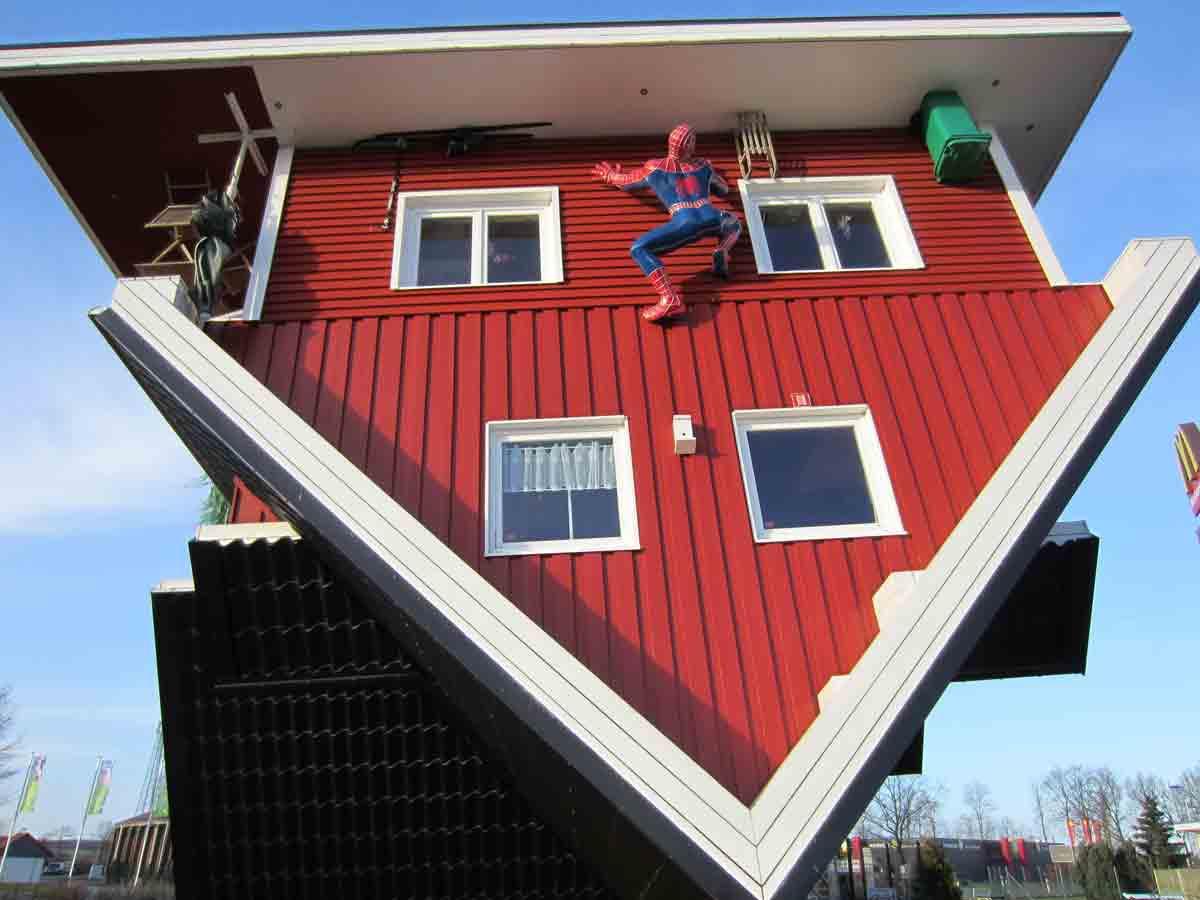 Das Verrückte Haus in der Lüneburger Heide