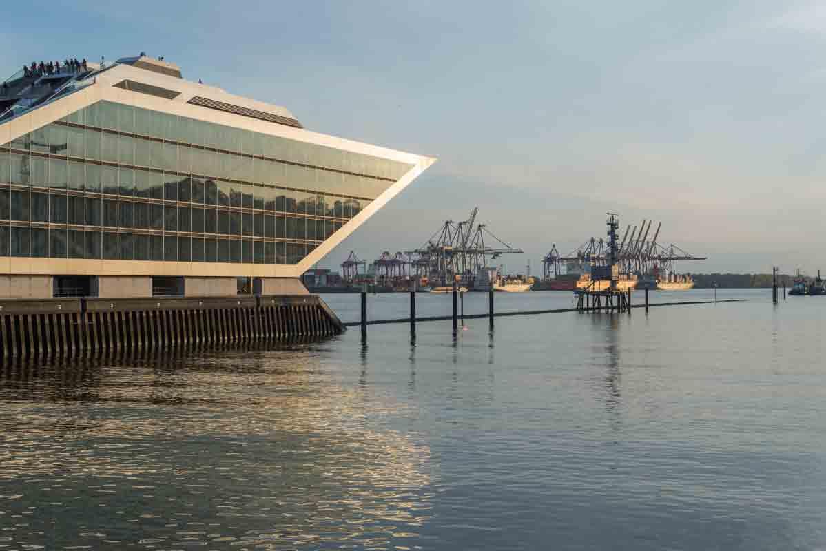 Das futuristische Dockland in Hamburg