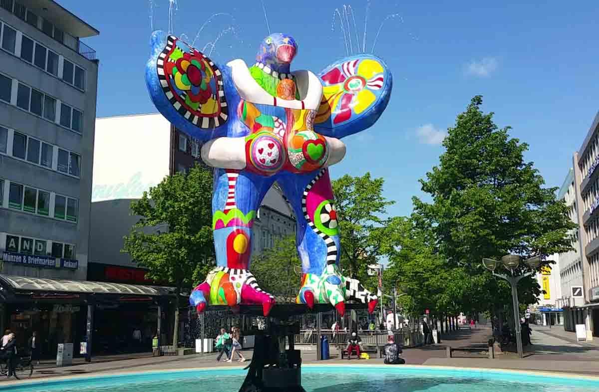 Lifesaver-Brunnen von Niki de Saint Phalle in Duisburg