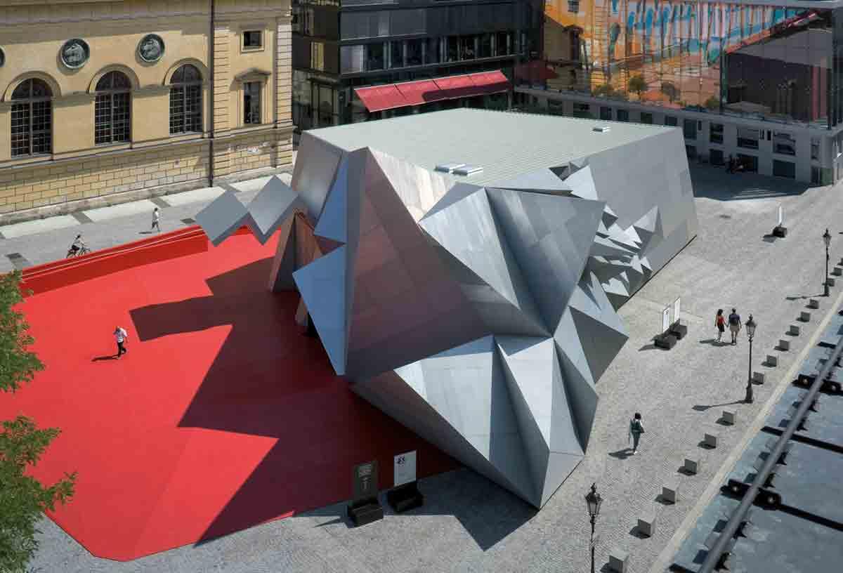 """Der mobile """"Pavilion 21 MINI Opera Space"""" in München"""