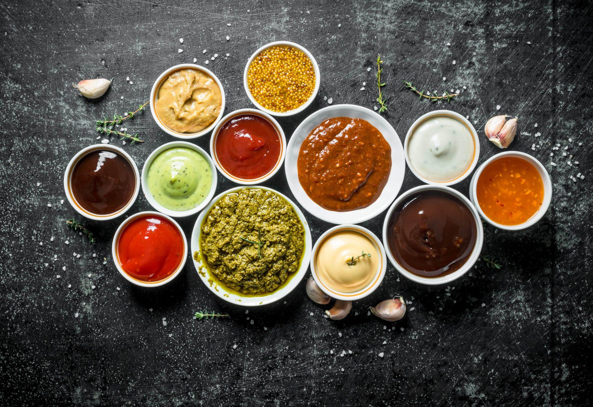 verschiedene Dips und Saucen - Geschmackssinn