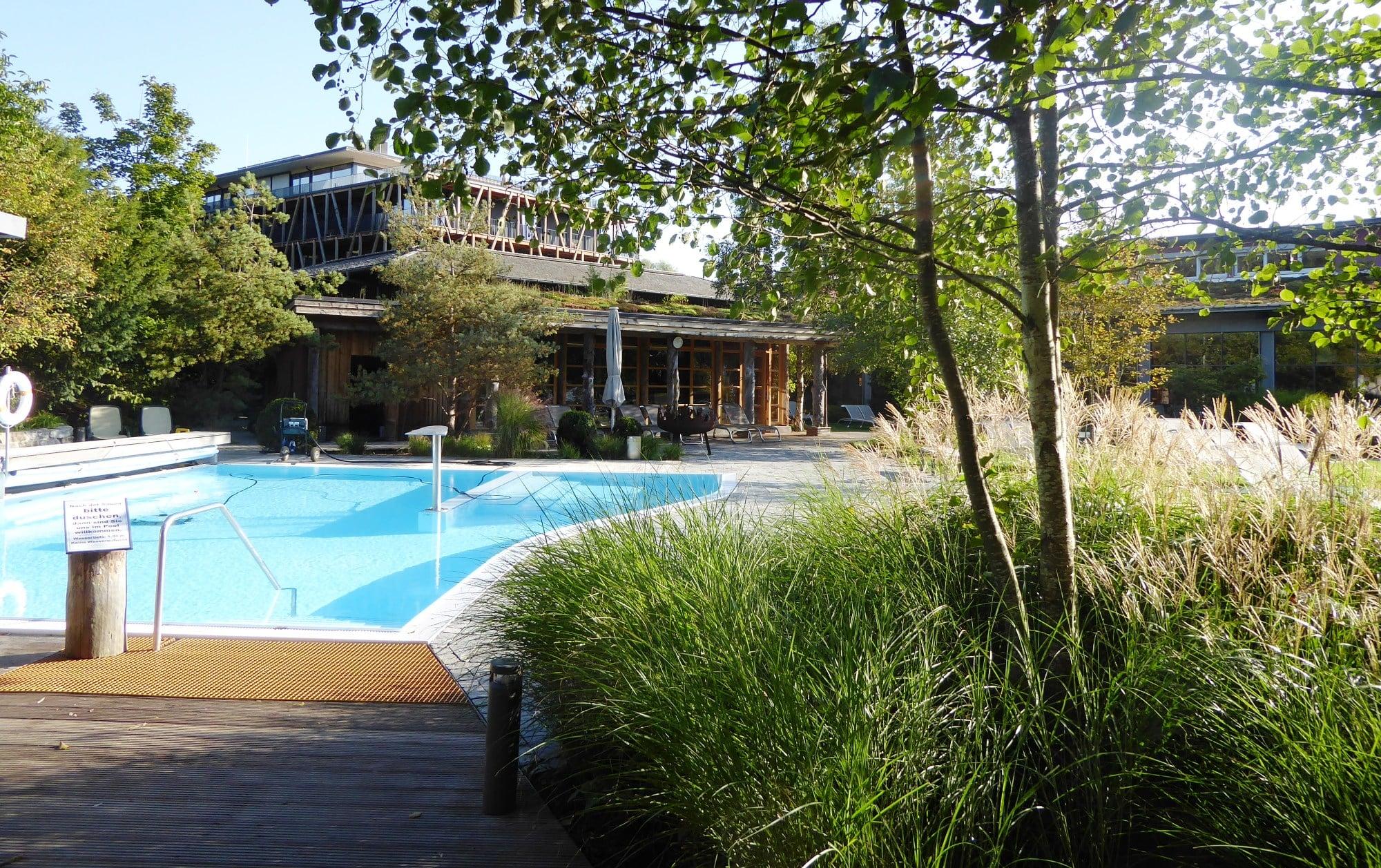 Hotelansicht mit Saunagarten Bora HotSpa Resort, Radolfzell