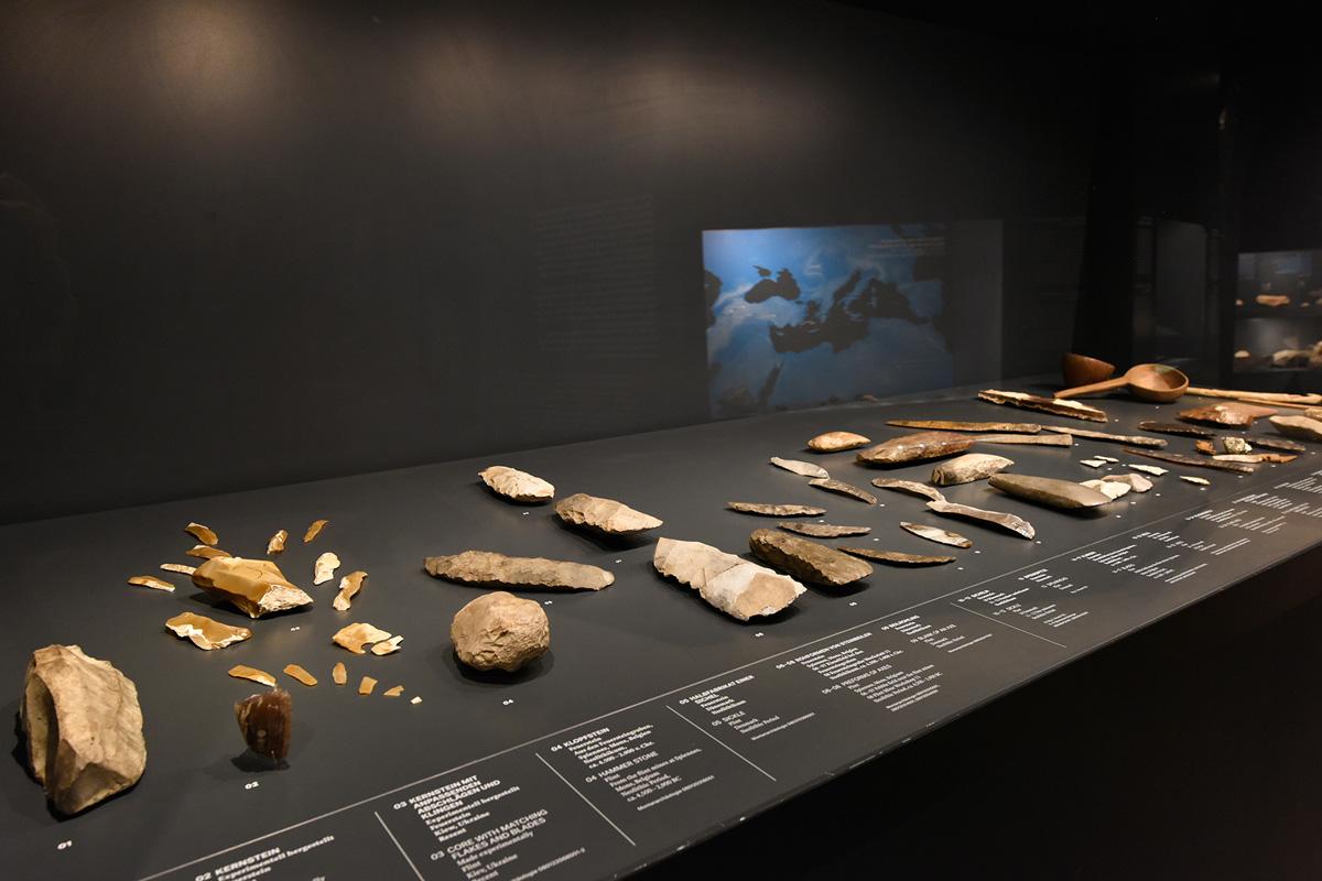 """Vom Feuerstein zum Werkzeug – archäologische Funde im Rundgang """"Bergbau"""", Deutsches Bergbau-Museum"""