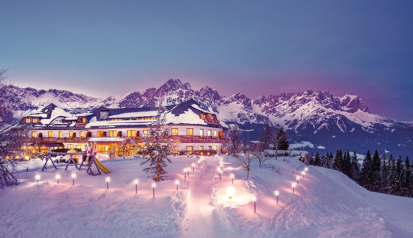 Außenansicht Winter Hotel Kaiserhof Ellmau