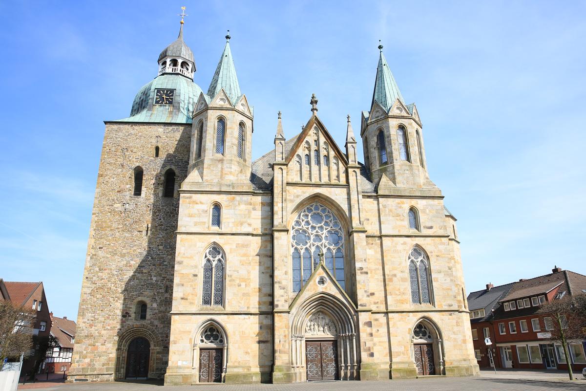 Pfarrkirche St. Viktor in Damme - Brückenradweg
