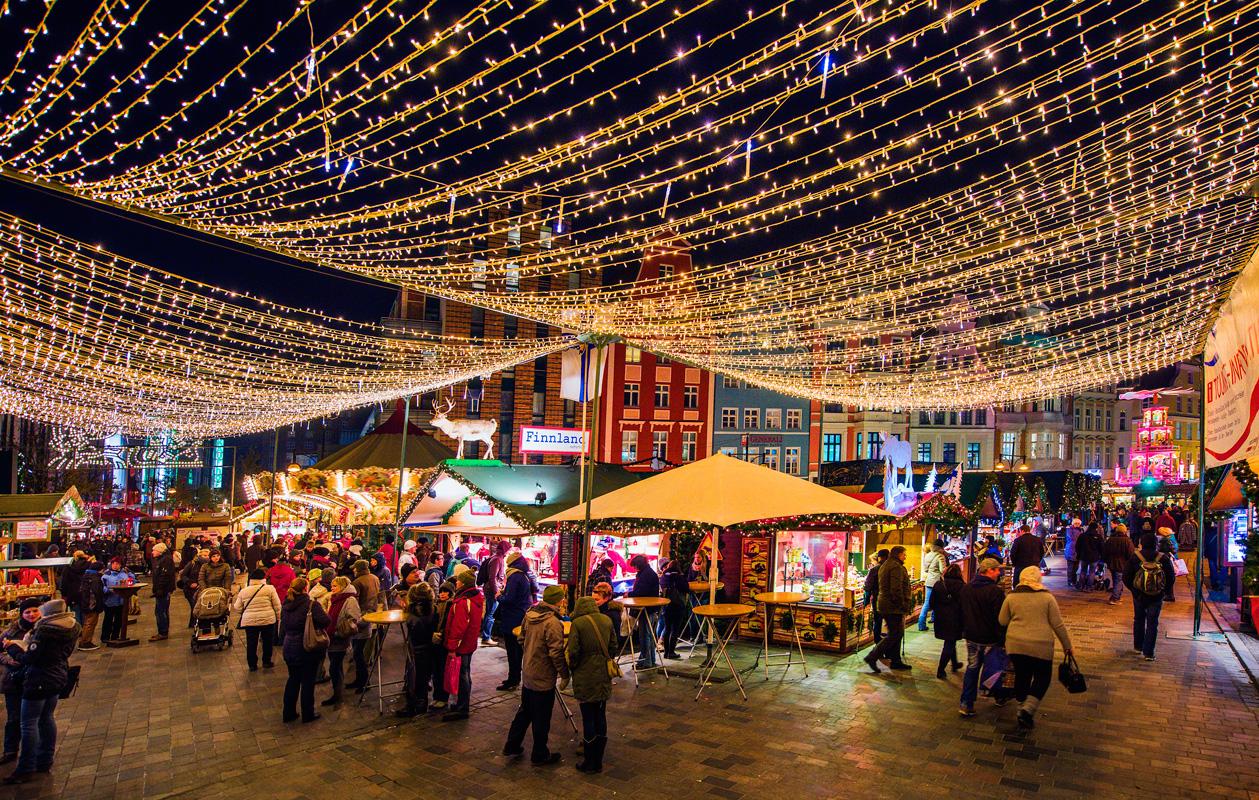 Kunsthandwerkecke auf dem Rostocker Weihnachtsmarkt