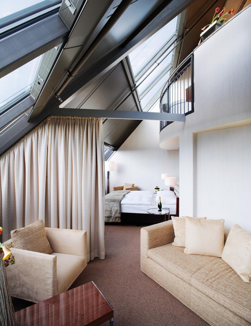 Mövenpick Hotel Hamburg Tower Suite