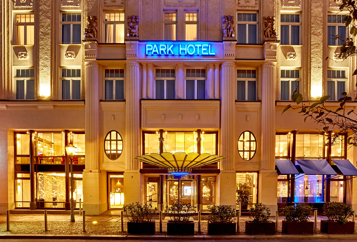 Eingang Seaside Park Hotel Leipzig