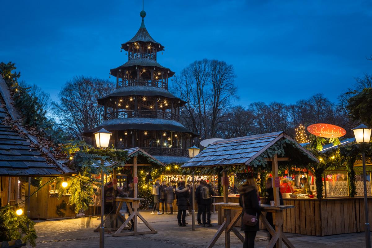 Weihnachtsmarkt am Chinesischen Turm München - kuschelige Weihnachtsmärkte