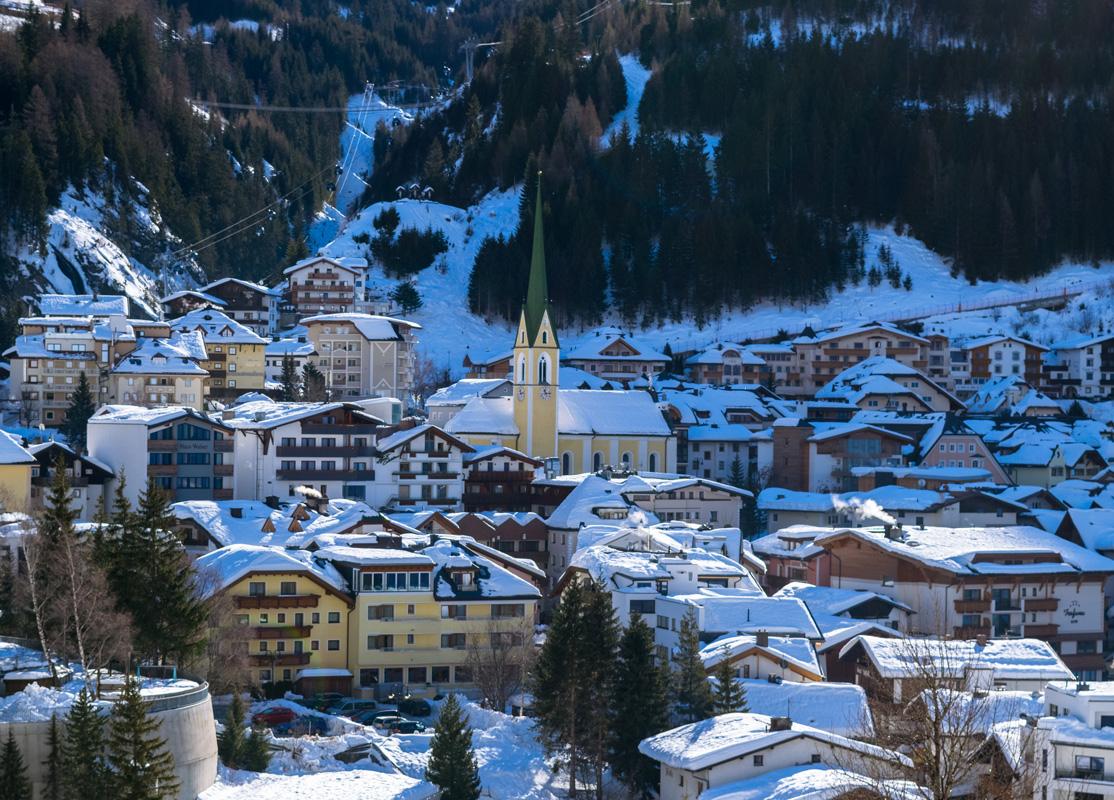 Blick auf Ischgl - Wintersportorte
