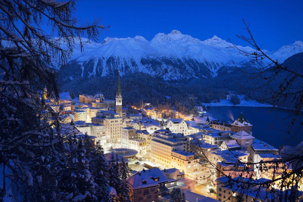 Blick auf St. Moritz - Loipen in der Schweiz