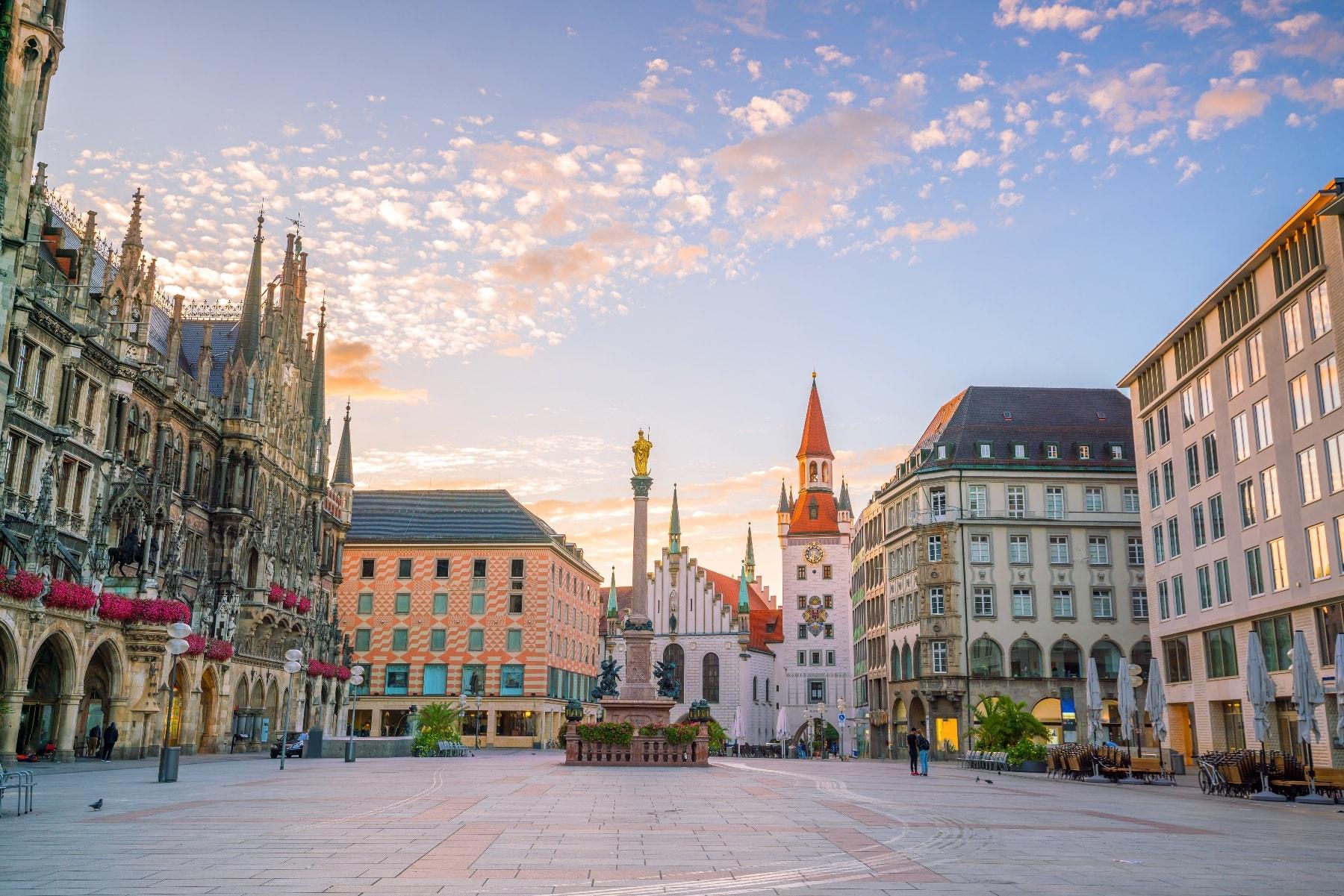 München Marienplatz in der Morgendämmerung