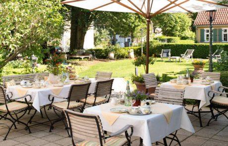 Gartenterrasse im Hotel Seitner Hof in Pullach im Isartal