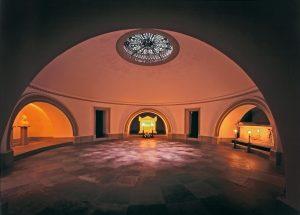 Grabkapelle auf dem Württemberg, königliche Gruft
