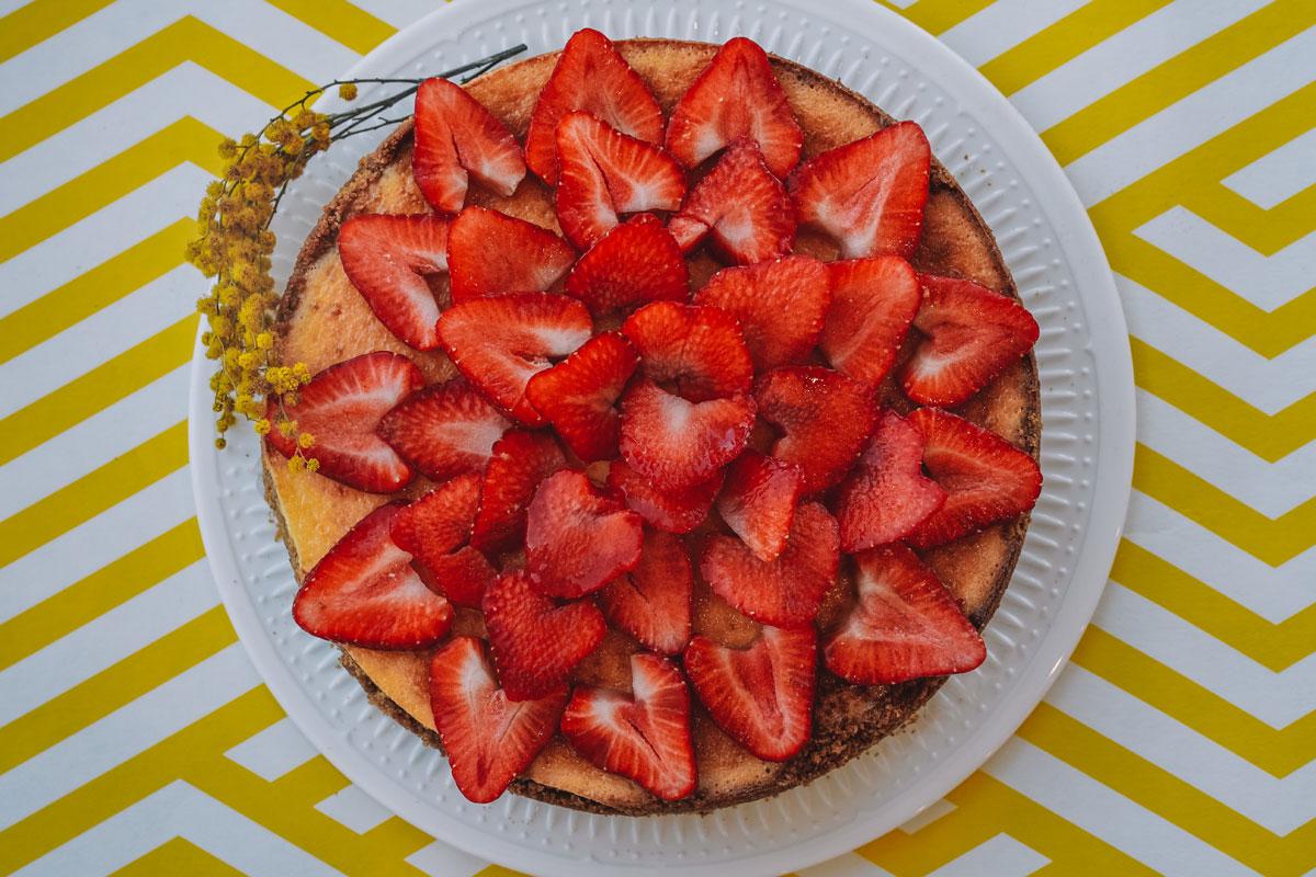 Torte mit Erdbeeren - Topfen-Obers-Torte