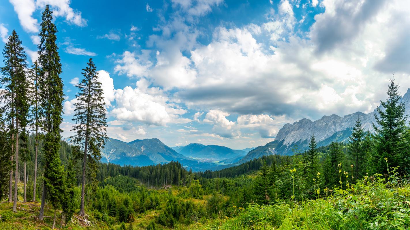 Alpenlandschaft bei Garmisch-Partenkirchen - Spitzenwanderweg