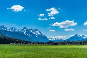 Krün im Landkreis Garmisch-Patenkirchen zwischen Karwendel und Wettersteingebirge - Spitzenwanderweg